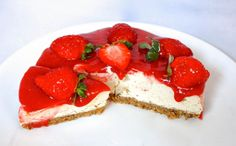 Strawberry Cheesecake [Vegan, Raw, Gluten-Free] | One Green Planet
