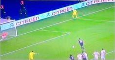 Cavani protagonizó el blooper de la jornada en Francia - No te pierdas el gran blooper del uruguayo Edison Cavani luego del penal errado por Zlatan Ibrahimovic en la victoria del PSG ante el Guingamp.  ...