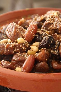 Beef tagine with honey and dried fruit - Tajine de boeuf au miel et aux fruits secs (recette) Beef Tagine, My Favorite Food, Favorite Recipes, Morrocan Food, Veggie Recipes, Healthy Recipes, Healthy Food, International Recipes, Cooking Time