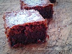 La Torta cioccolatino di Benedetta Parodi è un godurioso dolce di cioccolato. Ottima per riciclare il cioccolato che abbiamo in casa.