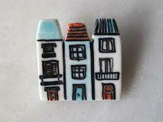 casa broche ceramica