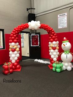 Balloon Columns, Balloon Arch, Christmas Balloons, Christmas Tree, Balloon Decorations, Christmas Decorations, How To Make Balloon, Party Poppers, Ideas Para Fiestas