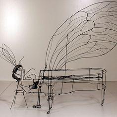 Amazing wire sculpture