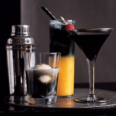 Halloween Decor: Spooky Cocktail Hour