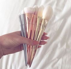 Makeup Ideas: Love these real techniques brushes. Pretty brushes you don't have to hide.