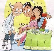 Asam urat disebabkan oleh terlalu banyaknya kandungan purin di dalam tubuh yang tidak mampu di proses oleh ginjal. Purin adalah sebuah senyawa kimia yang ada pada setiap makhluk hidup. Jadi ketika kita memakan daging sapi misalnya, maka kandungan purin dari sapi akan berpindah ke tubuh kita. Selengkapnya tentang gejala asam urat silakan baca di -> http://www.catatankecilku.net/2013/12/penyakit-asam-urat-pantangan-tips-gejala-penyebab.html