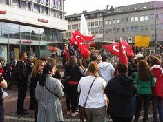 TürkInnen in Darmstadt gegen Tayyip Erdoğan Mehr Infos: http://neunmalsechs.blogsport.eu/2013/turken-in-darmstadt-gegen-tayyip-erdogan/