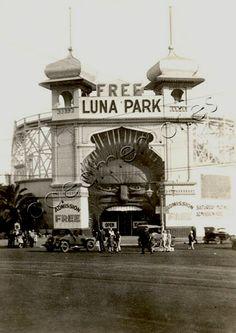 Luna Park,St Kilda, Melbourne Victoria in the Australia Day, Victoria Australia, Melbourne Australia, Iconic Australia, Old Photos, Vintage Photos, Melbourne Victoria, St Kilda, Art Deco Era