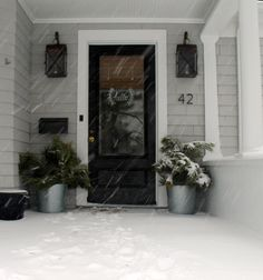 Love the stencil on the glass storm door:)