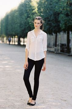Simple French street style
