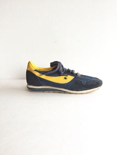 7a8dfd0a7ed2 Vintage Freedom Sport Shoes Womens 5.5   Kids 4.5