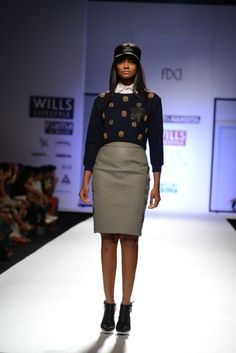 HEMANT AND NANDITA AT WILLS INDIA LIFESTYLE Sporty style meets Preppy aesthetics in Hemant and Nandita's new collection with crispy silhouettes and a darker palette. Shop their previous collection at http://www.perniaspopupshop.com/designers-1/hemant-and-nandita #hemantandnandita #designer #indian #willindiafashionweek #fashionweek #delhi #amazing #newcollection #WIFW #fashion #sporty #edgy