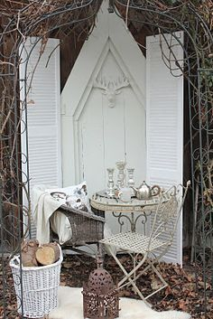 garden nook using architectural salvage
