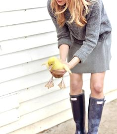 wellies and duck Country Life, Country Girls, Country Chic, Baby Ducks, Glamour, Trends, Mode Inspiration, Farm Life, Hunter Boots