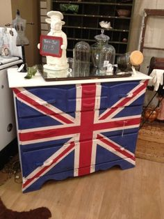 Union Jack, Fireworks Red, Shining Seas, Navajo White, American Paint Company, Clay/Chalk paint