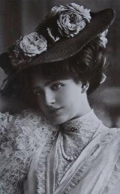 Sanctuaries, Dreams and Shadows: Lily Elsie, le Belle Epoque Beauty no.3 in my series Beauties of le Belle Epoque