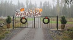 Front gate decoration