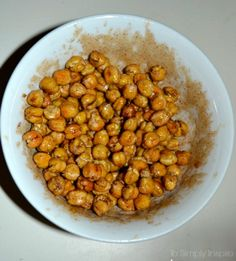 Maple Cinnamon Roasted Chickpeas are a wonderful, crunchy, healthy snack. Nut free, gluten free and vegan. They also make fabulous salad topping! Chickpea Recipes, Veggie Recipes, Dog Food Recipes, Vegetarian Recipes, Cooking Recipes, Healthy Recipes, Toddler Dinner Recipes, Coquito Recipe, Salad Topping