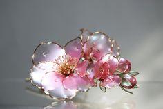 #Dip #dipflower #crystalresin #crystalflora #pin #brooch #blossom #appleblossom