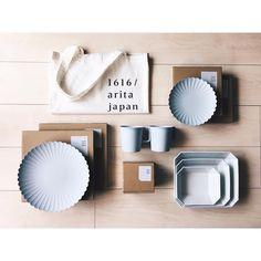 いいね!1,826件、コメント55件 ― satokoさん(@satobo_co)のInstagramアカウント: 「 . 1616/arita japan . 先日の有田で買ったうつわ達 お気に入りがまた増えた . 今はこれでばっかり珈琲飲んでます . #1616aritajapan #1616arita…」 Pottery, Table, Instagram, Ceramica, Pottery Marks, Tables, Ceramic Pottery, Pots, Desk