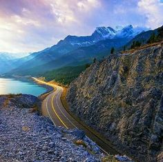 The road to Heaven, Alberta Canada
