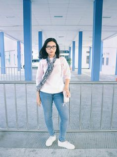 Simple OOTD to travelling using public transportation.