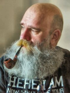 leatherlunged:  Looks like he smokes plenty-my sort of bloke…