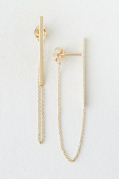 The Chained Stud The chain detail attached to the backings gives these staple studs a much-needed oomph. Ear Jewelry, Cute Jewelry, Jewelry Box, Silver Jewelry, Jewelry Accessories, Jewelry Design, Chain Earrings, Women's Earrings, Silver Earrings