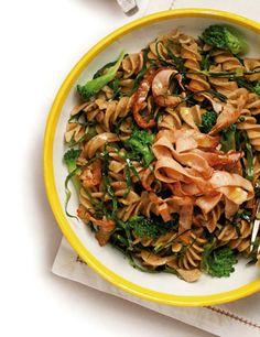 Salada de couve com macarrão