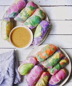 """KATE LOVES KALE - letscookvegan: Psychedelic Salad Rolls by. - letscookvegan: """"Psychedelic Salad Rolls by Erin McFarland Recipe: Ingredients Serves: 4 For the filling: 8 rice paper wraps 1 head purple cabbage 5 big carrots avocados 1 candycane beet Raw Food Recipes, Vegetarian Recipes, Cooking Recipes, Healthy Recipes, Vegan Food, Beet Recipes, Onion Recipes, Raw Vegan, Think Food"""