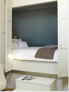 I could have sweet dreams in this bed nook... ;)