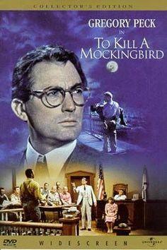 Jean Louise Finch (Mary Badham) recorda que em 1932, quando tinha seis anos, Macomb, no Alabama, já era um lugarejo velho. Nesta época Tom Robinson (Brock Peters), um jovem negro, foi acusado de estuprar Mayella Violet Ewell (Collin Wilcox Paxton), uma jovem branca. Seu pai, Atticus Finch (Gregory Peck), um advogado extremamente íntegro, concordou em defendê-lo e, apesar de boa parte da cidade ser contra sua posição, ele decidiu ir adiante e fazer de tudo para absolver o réu.