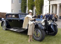Kellner Bugatti Royale Coach 1932 - Observe how high the fender is relative to the woman's proportions. This is a massive automobile in real life, but in this photo it actually looks normal. Auto Retro, Retro Cars, Vintage Cars, Antique Cars, Bugatti Royale, Bugatti Models, Bugatti Cars, Ferrari, Rolls Royal Car