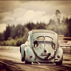 VW split window drag beetle