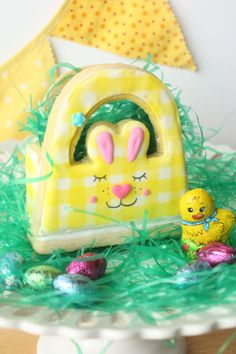 This cheerful bunny basket is an adorable way to deliver Easter treats, and you can even eat the yummy cookie exterior!