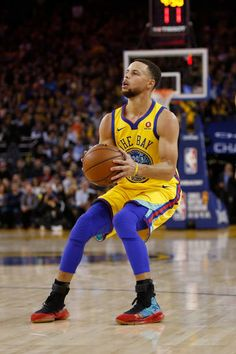 Stephen Curry of the Golden State Warriors pulls up to shoot against the Oklahoma City Thunder at ORACLE Arena on February 24 2018 in Oakland...