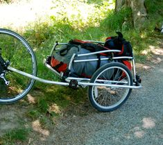 Convert a Child's Bike Trailer Into a Cargo Trailer. : 5 Steps (with Pictures) - Instructables Bike Cargo Trailer, Cargo Trailers, Kids Cycle, Bicycle Cart, Velo Cargo, Bike Challenge, Commuter Bike, Touring Bike, Pets