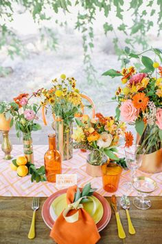 bright pops of color inspired by citrus | Photography by www.annadelores.com, Florals by http://www.kissingbees.com and http://www.stellabloomdesigns.com/index2.php  | smp