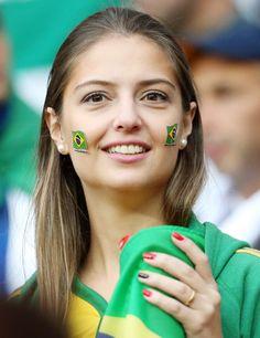 ドイツ対アルジェリア ドイツの応援をするブラジル美女(撮影・狩俣裕三) ▼2Jul2014日刊スポーツ|美女 - 写真特集 ブラジルW杯 http://www.nikkansports.com/brazil2014/photogallery/bijo/f-sc-tp0-20140702-1327468.html #Brazil2014