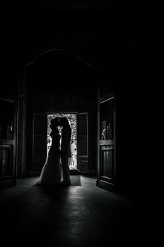 #kiss #couple #weddingphoto #church #lovers #bride #groom