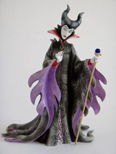 This Disney Couture de Force Figurine is a must buy for fans of Maleficent. This very collectable Maleficent figurine is full of excellent detail. If you are a Maleficent fan you have to have this �