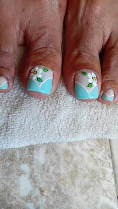 Would be cute for fingernails Pedicure Designs, Pedicure Nail Art, Toe Nail Designs, Nail Polish Art, Toe Nail Art, Pretty Toe Nails, Feet Nails, Toenails, Nails Only