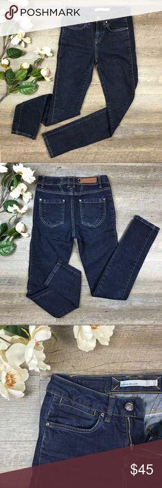 Karen Millen Jeans Cute skinny Karen Millen Jeans! In dark blue wash. In excellent condition. Size 2. See images for measurements. L-5 Karen Millen Jeans Skinny