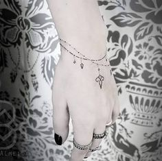 Resultado de imagen para tatuagens pulseira