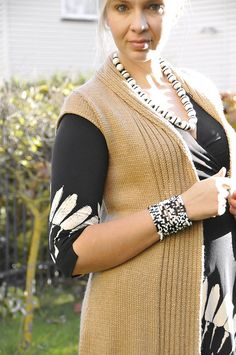 The most versatile vest ever. That triangular back collar is the nice surprise. Ravelry, Collars, Knit Crochet, Vest, Plus Size, Knitting, Sweaters, Tops, Dresses