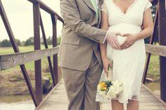 Cute pregnant bride idea