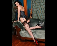 dita neo victorian | Peek into the vintage-dominated lifestyle of Dita Von Teese