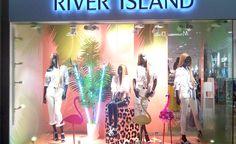 Spring/Summer 2017 season in visual merchandising is green – Design Retail Space Wall Logo, Garage Design, Shop Window Displays, Visual Merchandising, Spring Summer, Retail Space, Seasons, Green, River Island