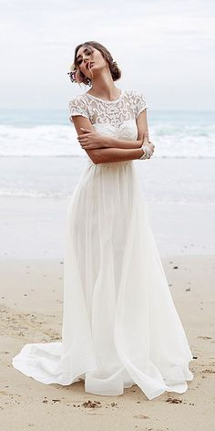 18 Beach Wedding Dresses Of Your Dream ❤ See more: http://www.weddingforward.com/beach-wedding-dresses/ #weddings #beachdress