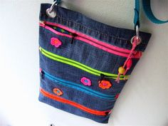Be pretty by Beate Diy Jeans, Jean Crafts, Denim Crafts, Denim Purse, Denim And Lace, Recycled Denim, Fabric Bags, Quilted Bag, New Bag